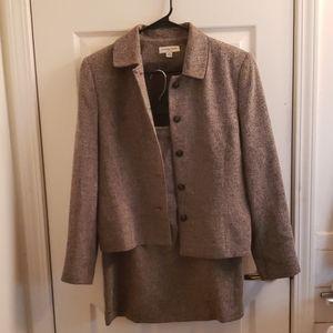 Amanda Smith Skirt Suit Size 10